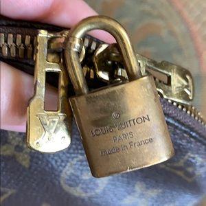 Louis Vuitton Bags - Authentic Louis Vuitton Alma bag